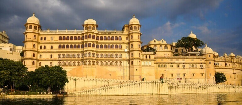 Golden Triangle Tour with Mandawa